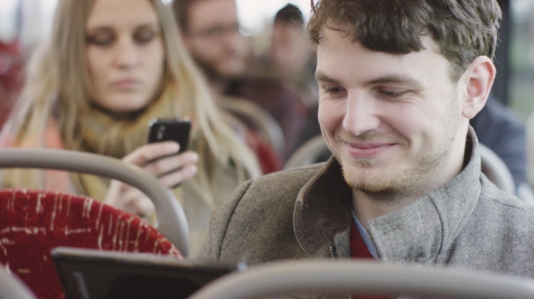 UK commuters on track to spend £9.3 billion this year via smartphones and tablets