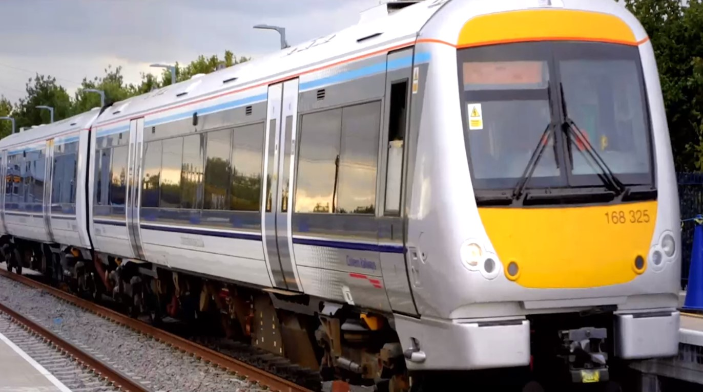 Stay connected on the new Chiltern train line: Oxford to London made easier with 4G Wi-Fi upgrade
