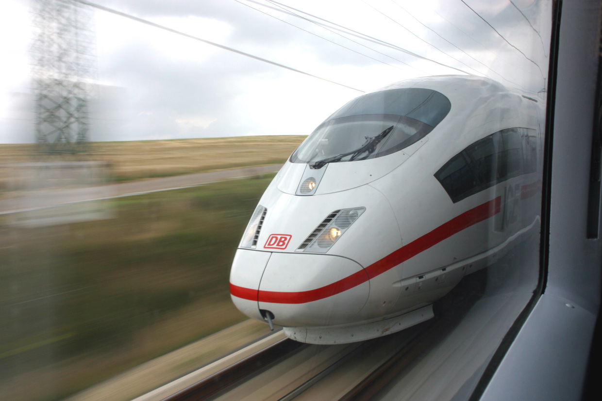 "Deutsche Bahn awards next generation connectivity ""ICE"" contract to Icomera"